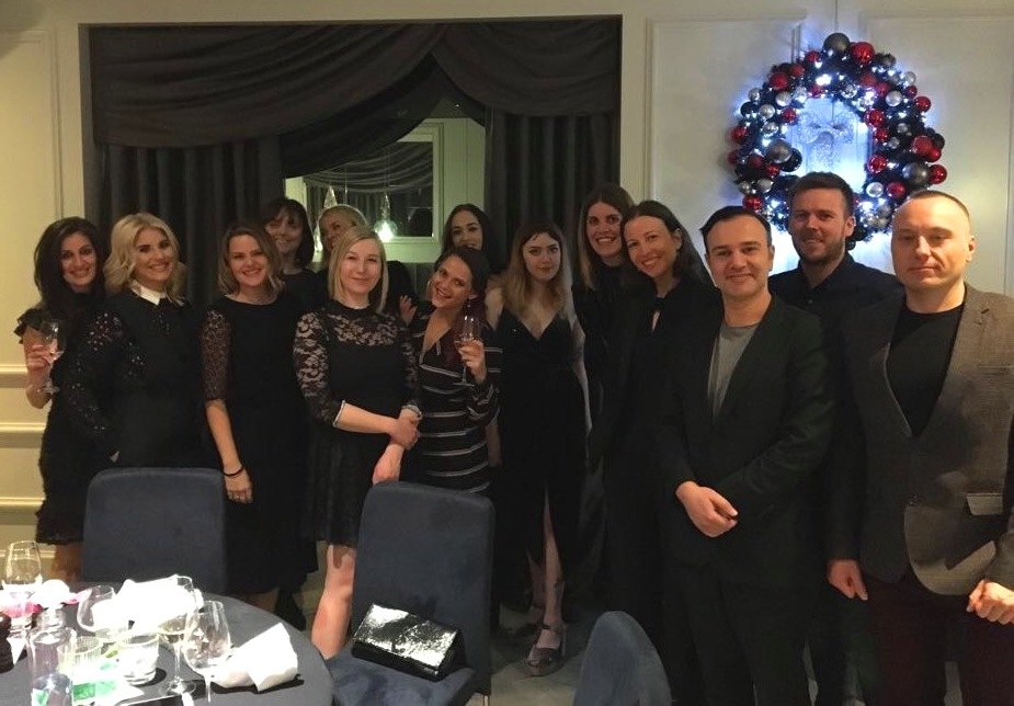 A Festive Knees-Up for the Peppermints